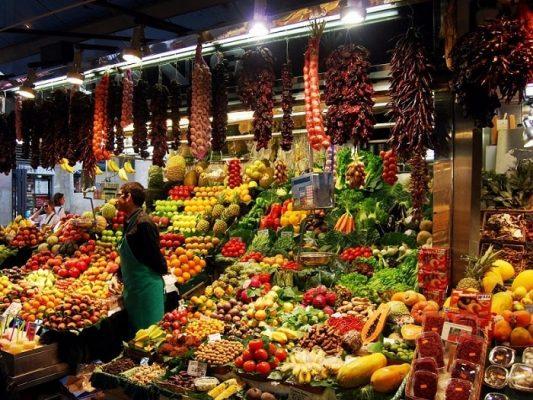 Khu chợ La Boqueria là một khu chợ ẩm thực nổi tiếng trên thế giới nằm ở Tây Ban Nha