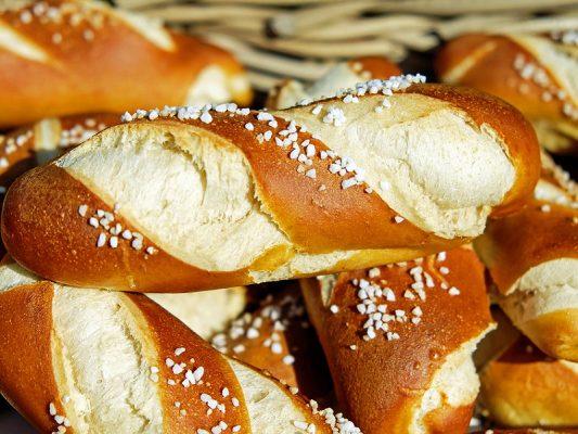 Mẹo vặt nhà bếp: Bảo quản bánh mì còn thừa